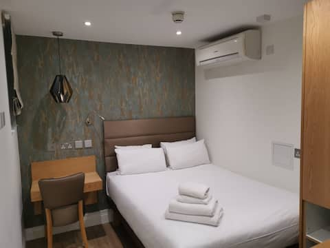 Newly refurbished ensuite rooms with AC