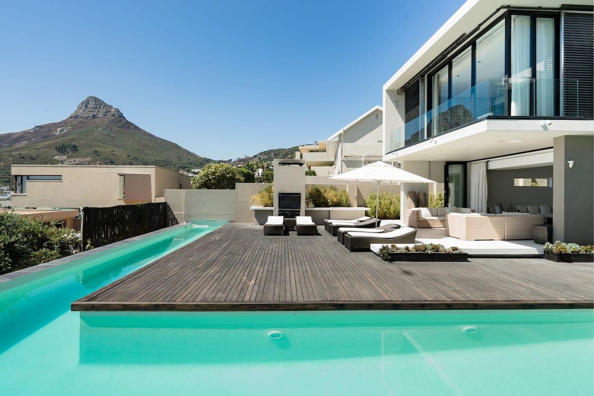 Serenity Villa with Camps Bay Ocean Views