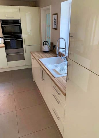 4Bed Family Home, near Peppa Pig World, New Forest