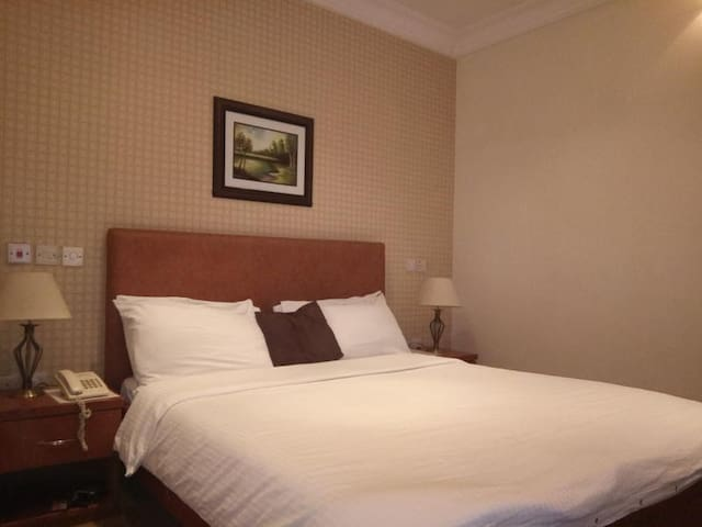 Pearl Gate Hotel-Deluxe Room