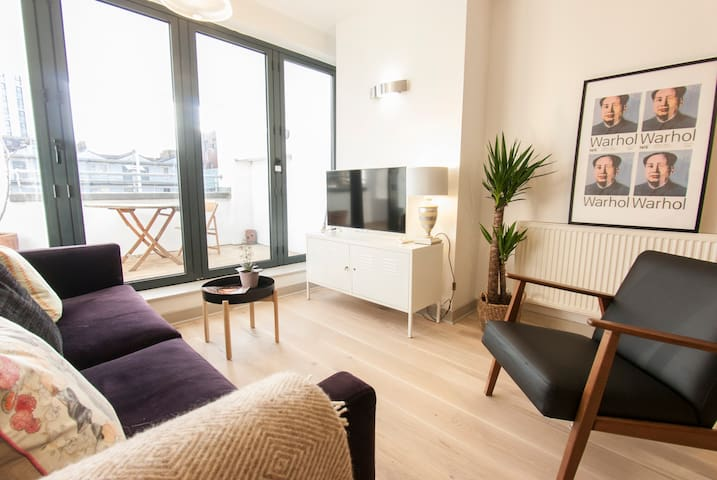 Modern & Stylish Double Ensuite Room in Dalston