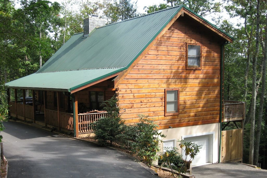 Cabin getaway between blowing rock and boone cottages for Cabin rentals in boone north carolina