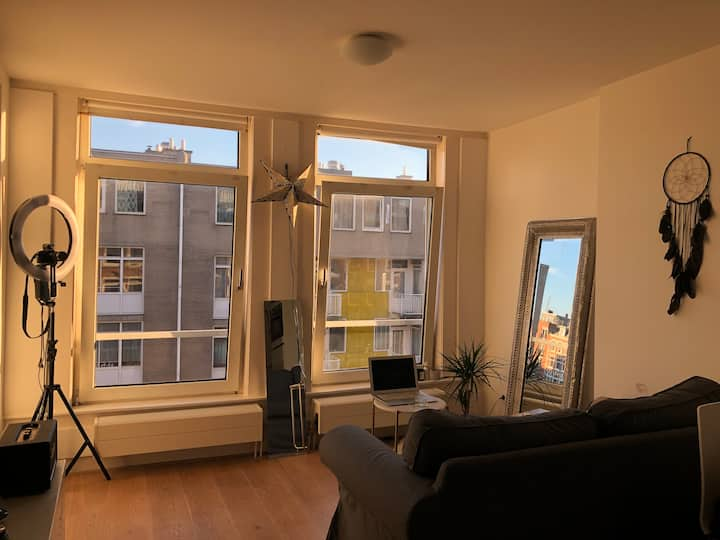 Spacious 1BR apartment in the city