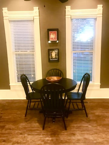 Spacious dining area to enjoy meals with your friends and family!