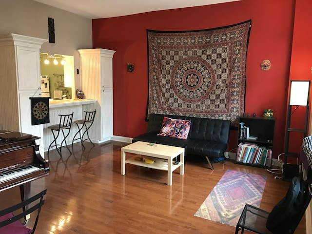 Spacious 1BR in Downtown, close to Yale