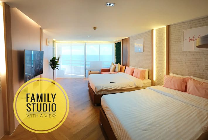 Family Hub@Pattaya 1  - Beach front.