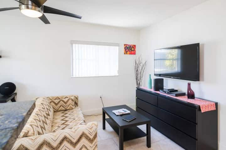 FREE Parking, Sanitized One Bedroom in South Beach