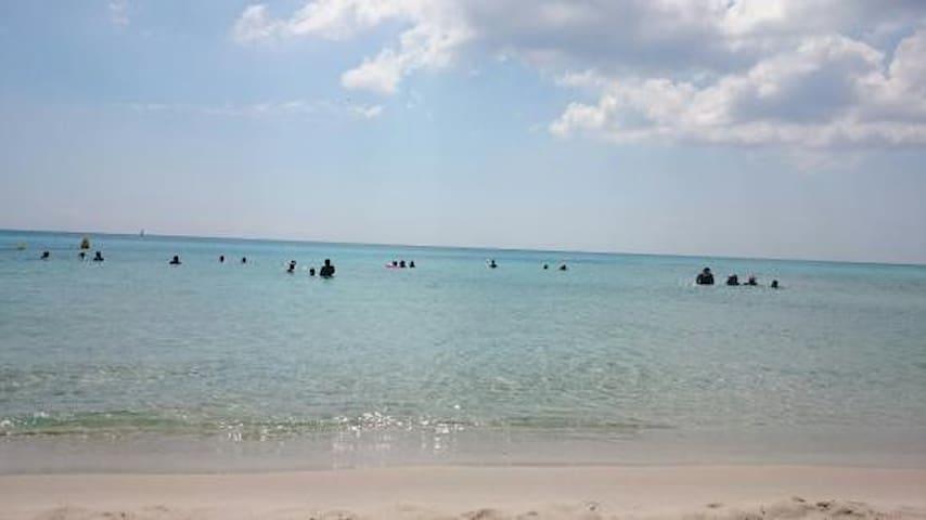 Bungalow pied dans l'eau à la plage el Mansoura - Kélibia