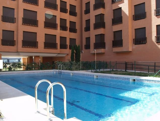 Apartamento completamente equipado con piscina - Madrid - Lägenhet