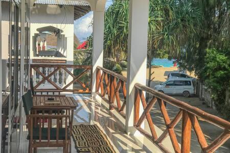 Nungwi Beach Studio H with AC priv bathroom