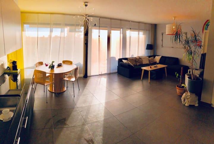 Belle chambre individuelle avec terrasse privé..