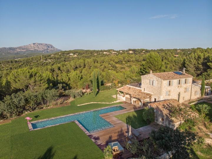 Villa avec piscine au coeur de la nature