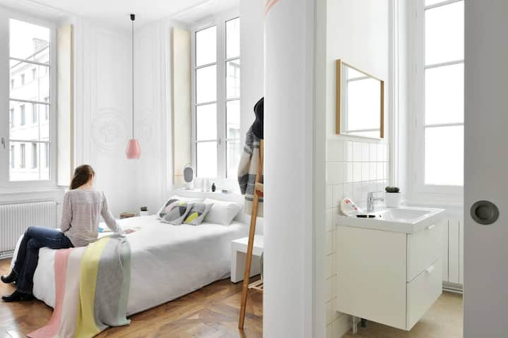 Away Hostel & Coffee Shop - Chambre privée