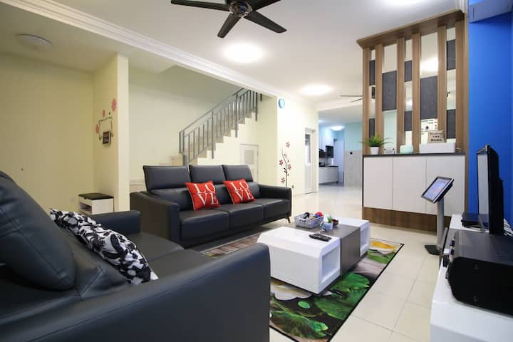Eco Home Stay (晧恬小筑)/4BR/8-12 Pax, karaoke & BBQ