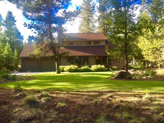 8 SHARC Passes! Hot Tub and New Oven/Stovetop - Sunriver - Hus