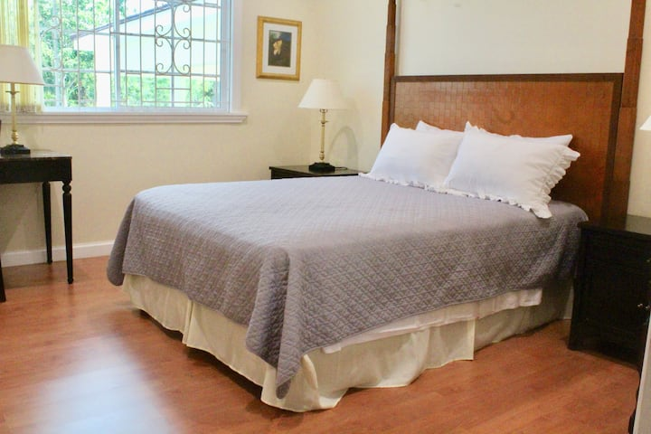 Eden Manor Queen Room en Suite