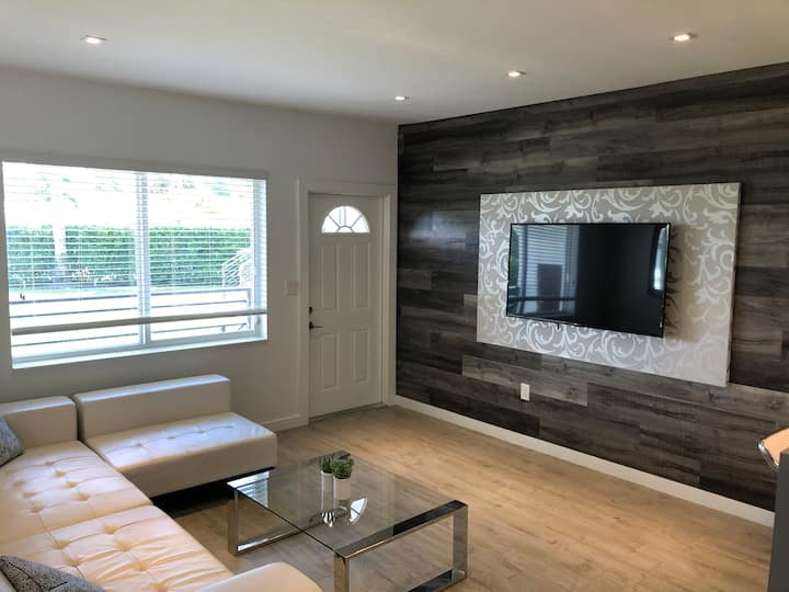 Beautiful newly renovated 2 bedroom apartment