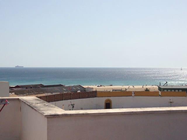 Apartamento con terraza y vistas - Tarifa - Byt