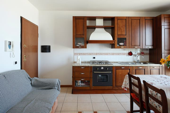 FLAT IN FRONT OF THE SEA - Cupra Marittima - Apartamento