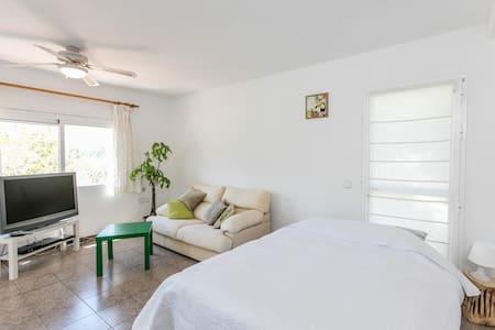 Studio voor 2 met vrij uitzicht - Cala Llonga - Appartement