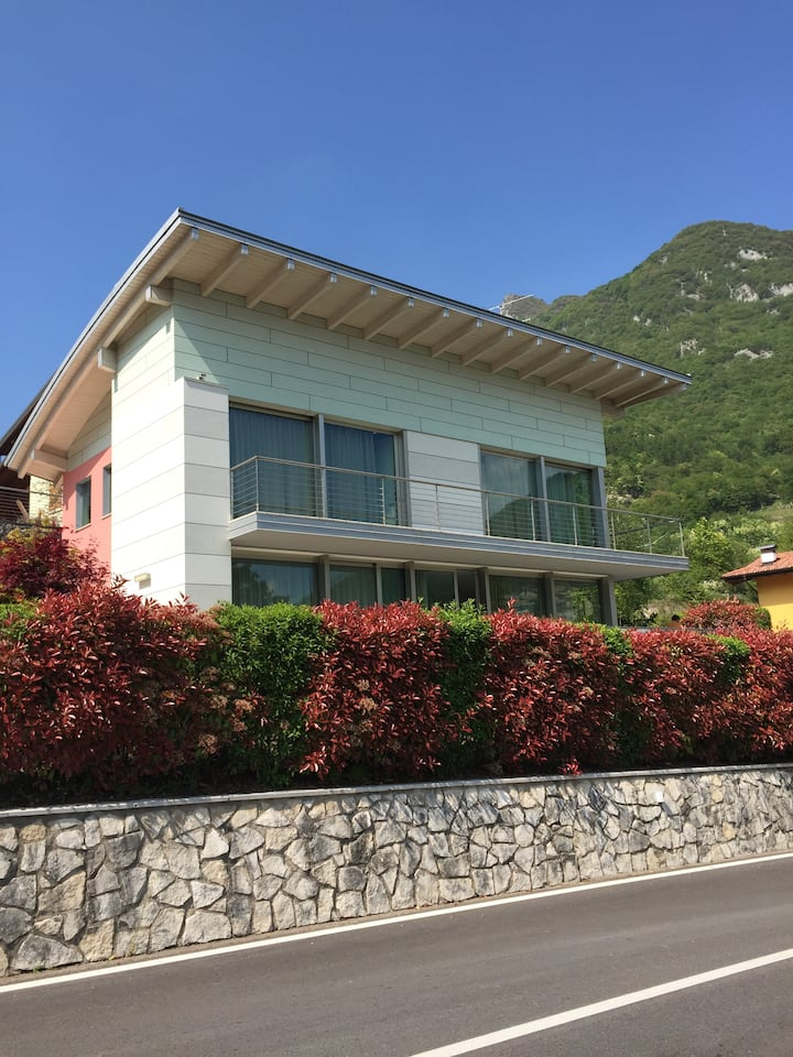 Villa di design - vista mozzafiato