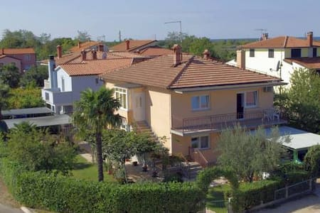 Apartments & Rooms Barbara Umag - double room 2 - Finida - Bed & Breakfast
