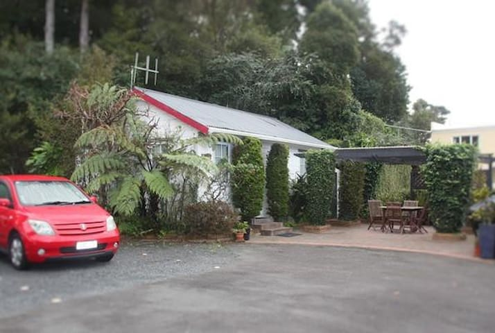 Cosy Cottage in central Paihia