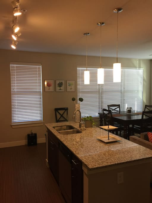 Modern Clean Apt W City View Apartments For Rent In San