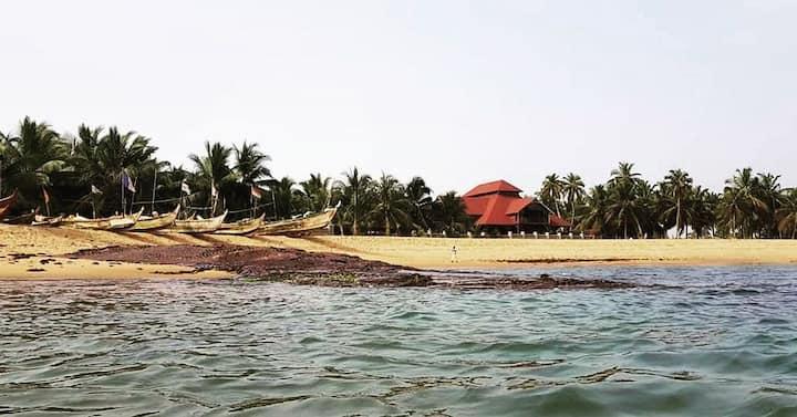 Charlestina Beach Resort.Relax in comfort & luxury