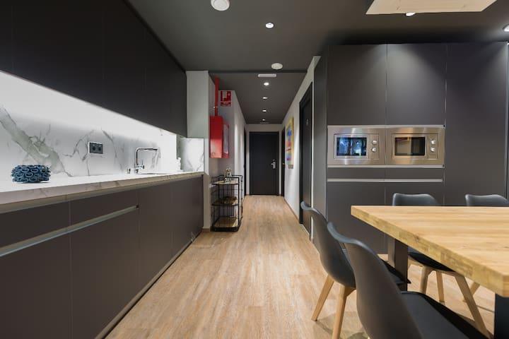 Airhostel kitchen