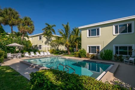 Charming 1/1 STEPS to Beach with POOL & WiFi