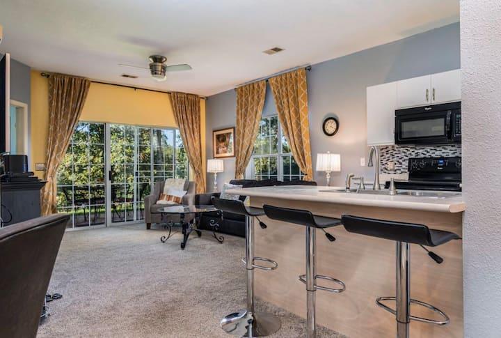 Branson Holiday Hills Condo | Indoor Pool/Jacuzzi
