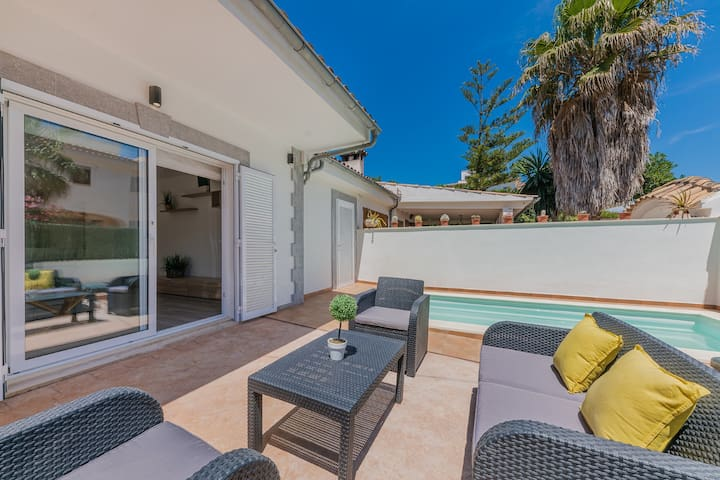 VILLA GOLD ALCUDIA (30 mts from the beach)