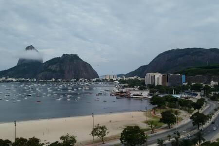 Apartamento completo na Praia de Botafogo