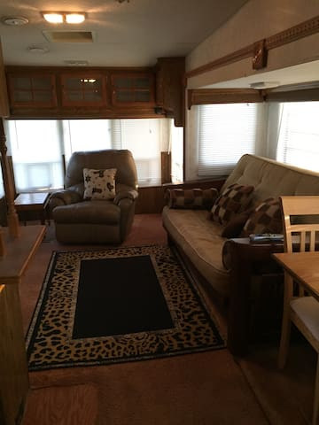 Spacious Rv on private ranch - Woodway - Ház