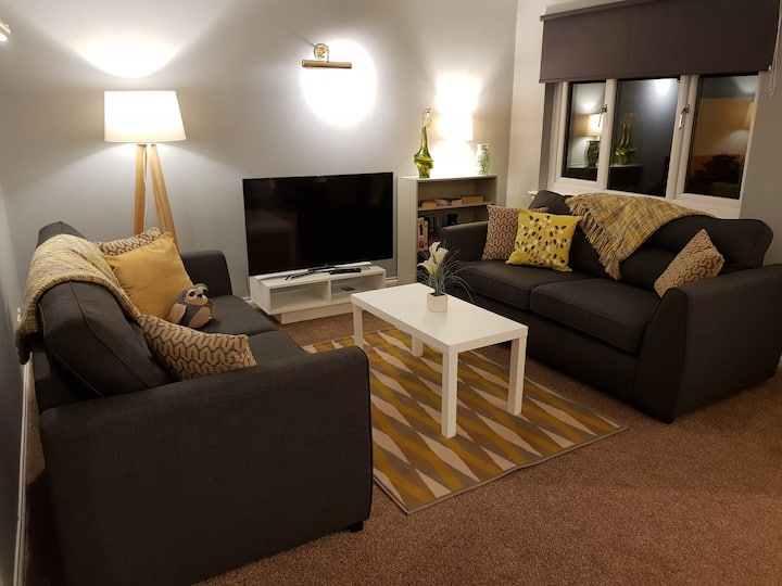Three Bedroom Pet Friendly House Superfast WiFi