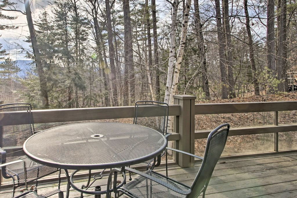 Enjoy a wooded setting surrounded by North Conway's endless outdoor recreation.