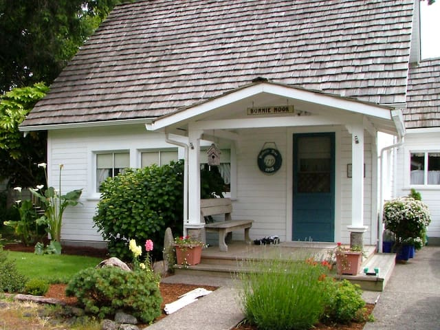1908 Historic Cottage in Cannon Beach - Cannon Beach