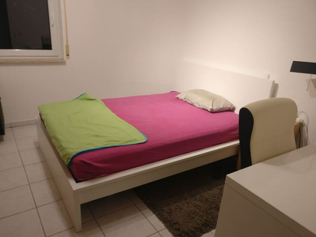 *Best located Room* in a 2-Room apartment.
