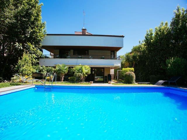 VILLA KARMELE: Familias, grupos, piscina - Hondarribia - Villa