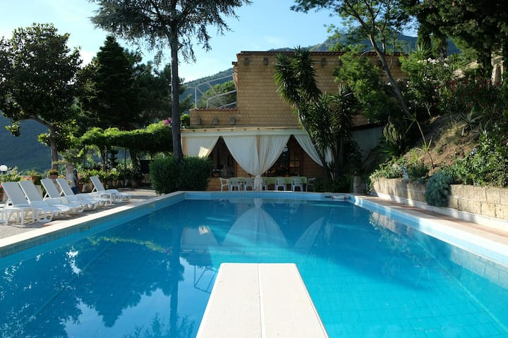 QuattroSorelle, villa  near Pompei, Napoli, Amalfi