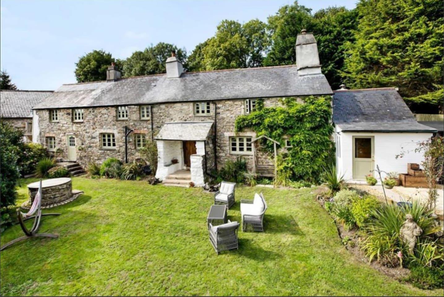 Devon Long House