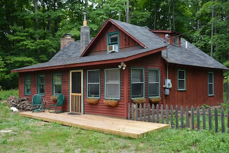 Cabin in the Woods in the Heart of Leelanau County