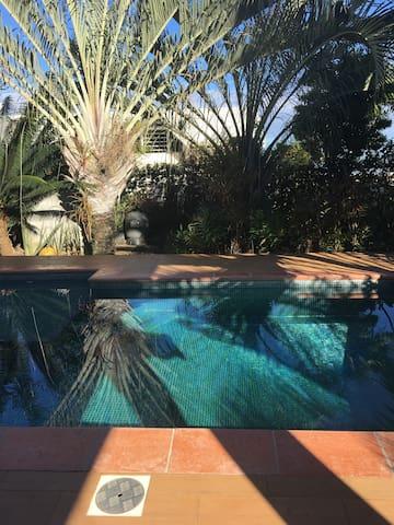 Chambre HINE dans villa -  5 minutes de la plage