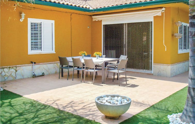 Holiday cottage with 5 bedrooms on 160 m² in Riba-Roja de Túria