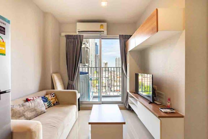 曼谷 大皇宫 周末市场 地铁步行两分钟 精装修公寓
