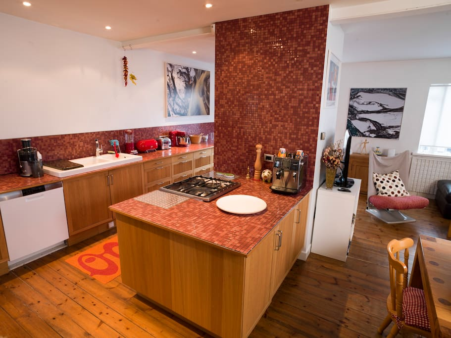 Great kitchen with everthing you need.