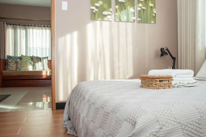 1 Bedroom McKinley Hill: Luxe for Less