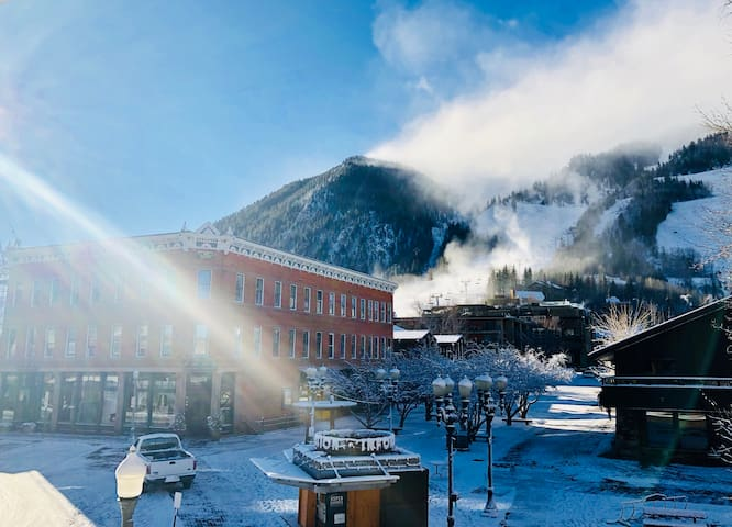 Historic Splendor Aspen Core