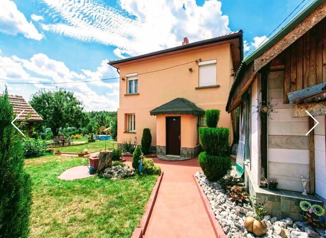 ❤DREAM HOUSE NEAR SOFIA & PERNIK,Fits12,Pool, Yard